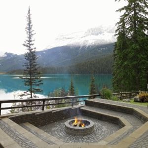 emerald-lake-lodge-fire-pit